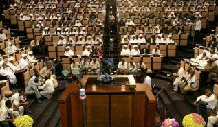 البرلمان يتحدى الله ورسوله في شهر رمضان  ويجيز الربا بدلاً من التوبة وتحكيم الإسلام!!