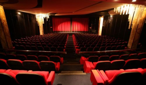 قرار السينما وقياس الرأي العام تجاه قضايا الأمة المصيرية في بلاد الحرمين