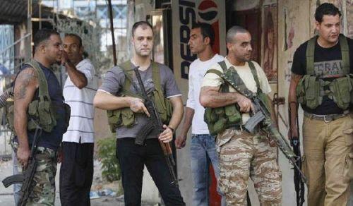 اشتباكات مخيم عين الحلوة   أجندات خارجية وبنادق بل بيادق عبثية... إلى متى؟!!