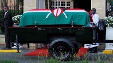 موت موي: لحظة عميقة من التفكير في النظام المتهاوي للقيادة العلمانية