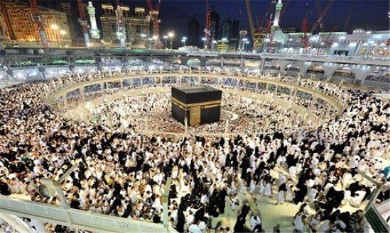 اسلام بدون جماعت کامل نیست