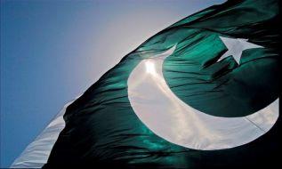 حکام پاکستان در ظاهر با امریکا اختلاف میورزند؛ اما خاموشانه به خاطر نجات استراتیژی نظامی امریکا از ناکامی، تلاش میکنند