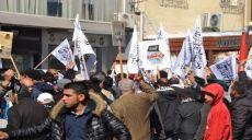 Tunus Yöneticileri Cuma Namazını Yasakladılar ve Kılanları Tutukluyorlar!